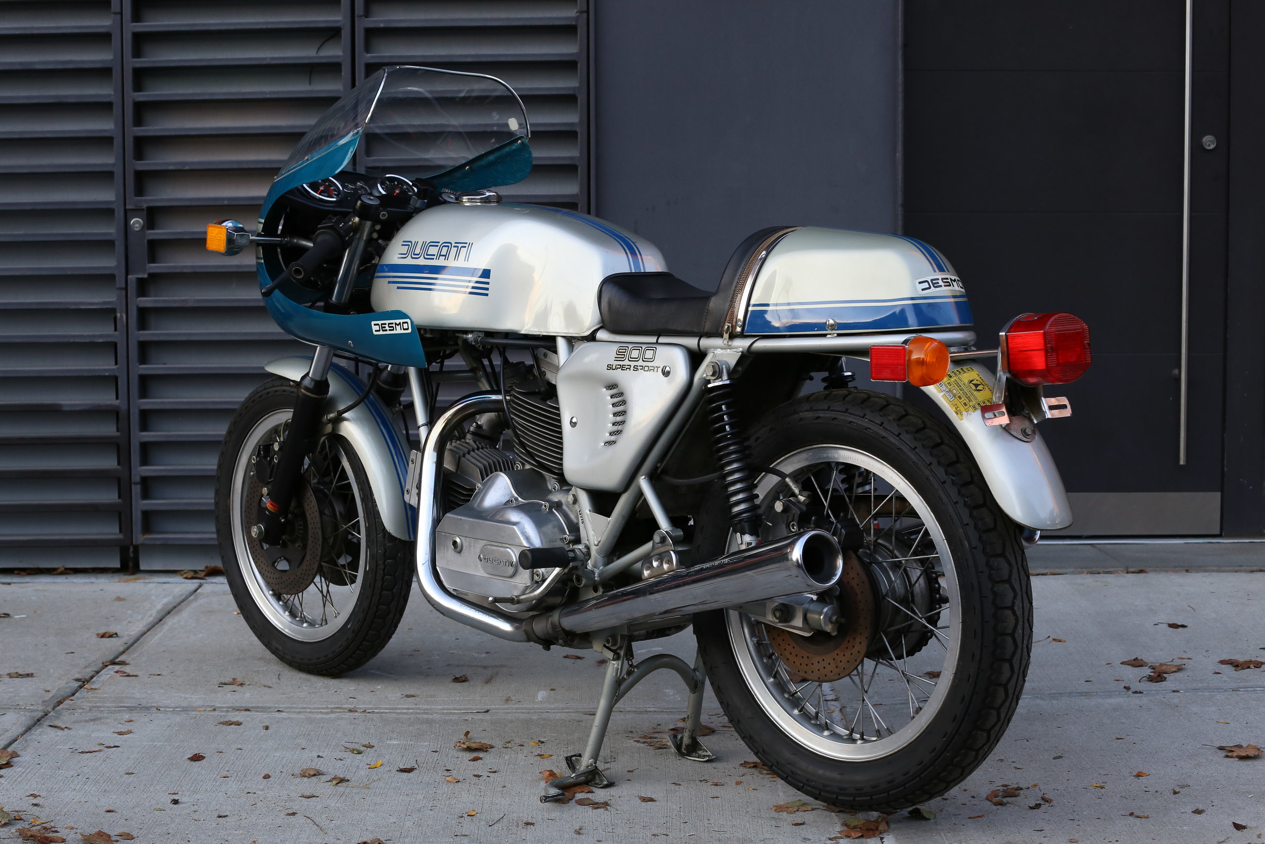 1977 Ducati 900SS tail section