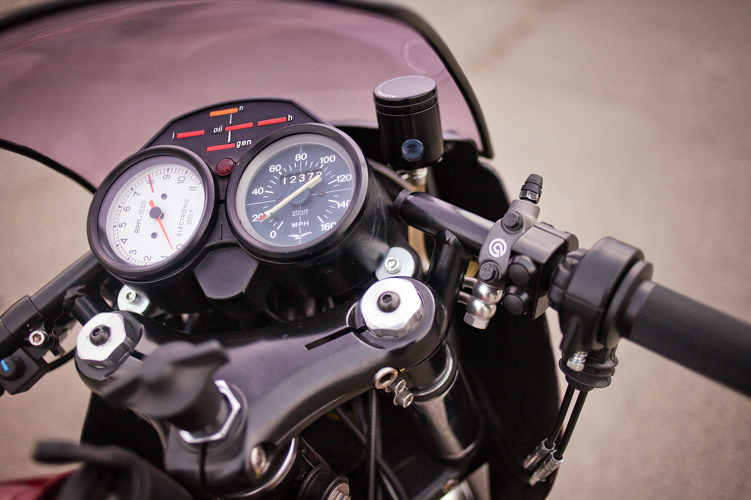 1977 Moto Guzzi lemans 1 custom gauges