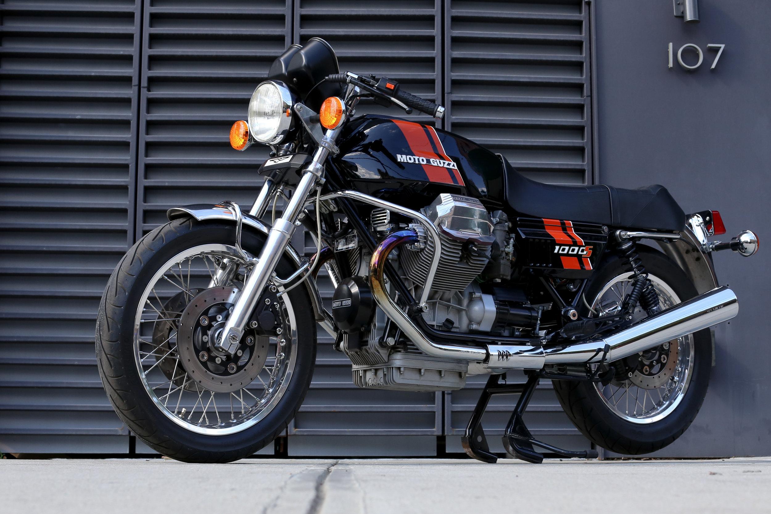 Moto Guzzi 1000S red Paint