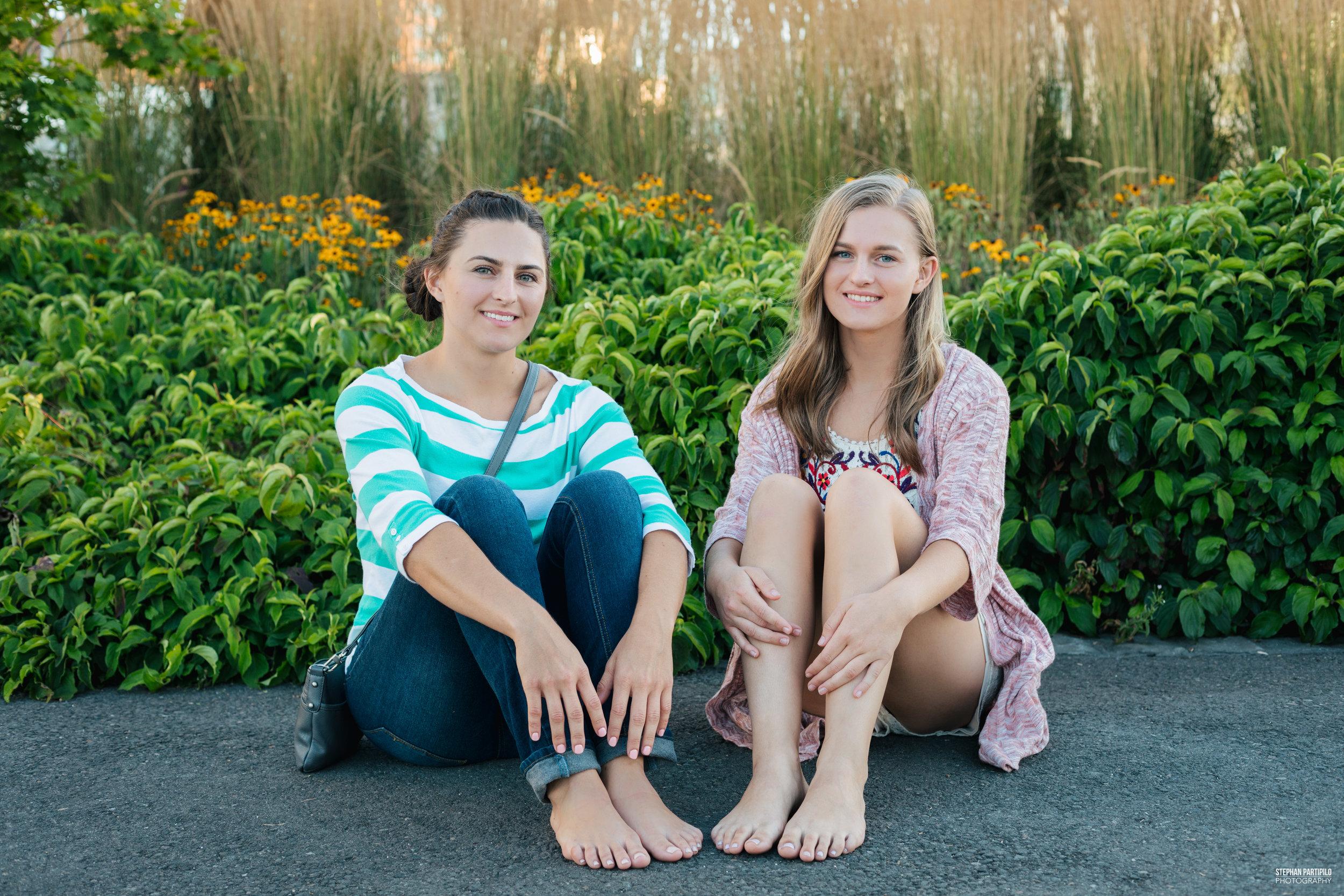 Alona & Anna 0G5A4247.jpg