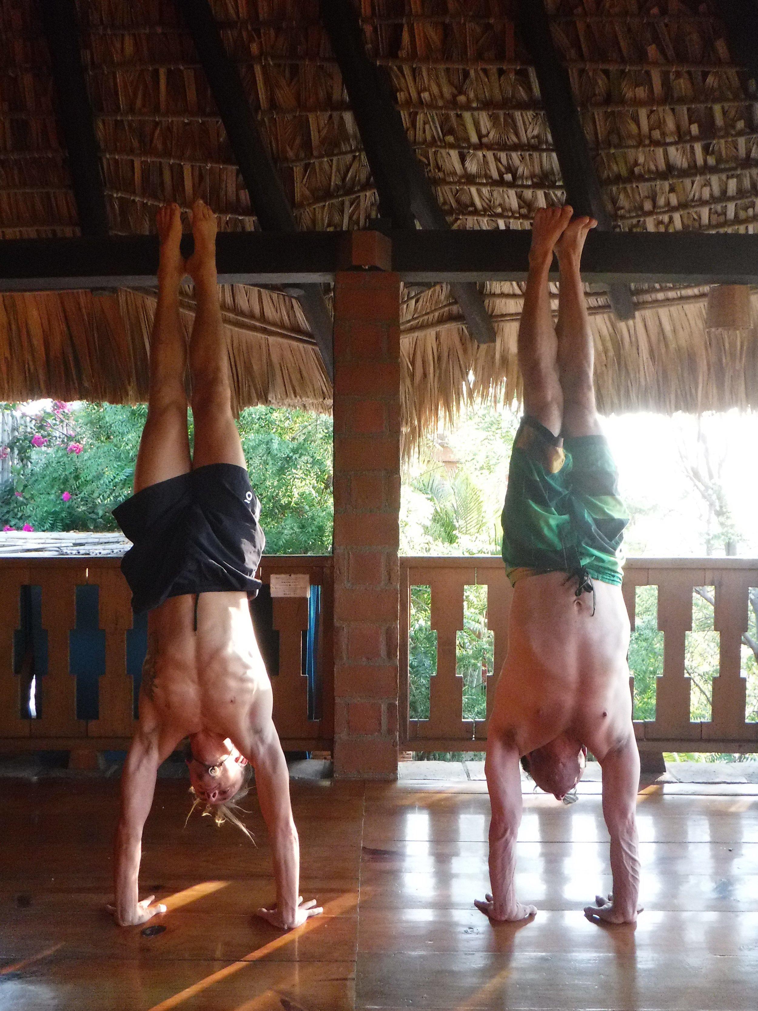yogastef fernando trejo handstands on retreat in Mexico 2017.jpg