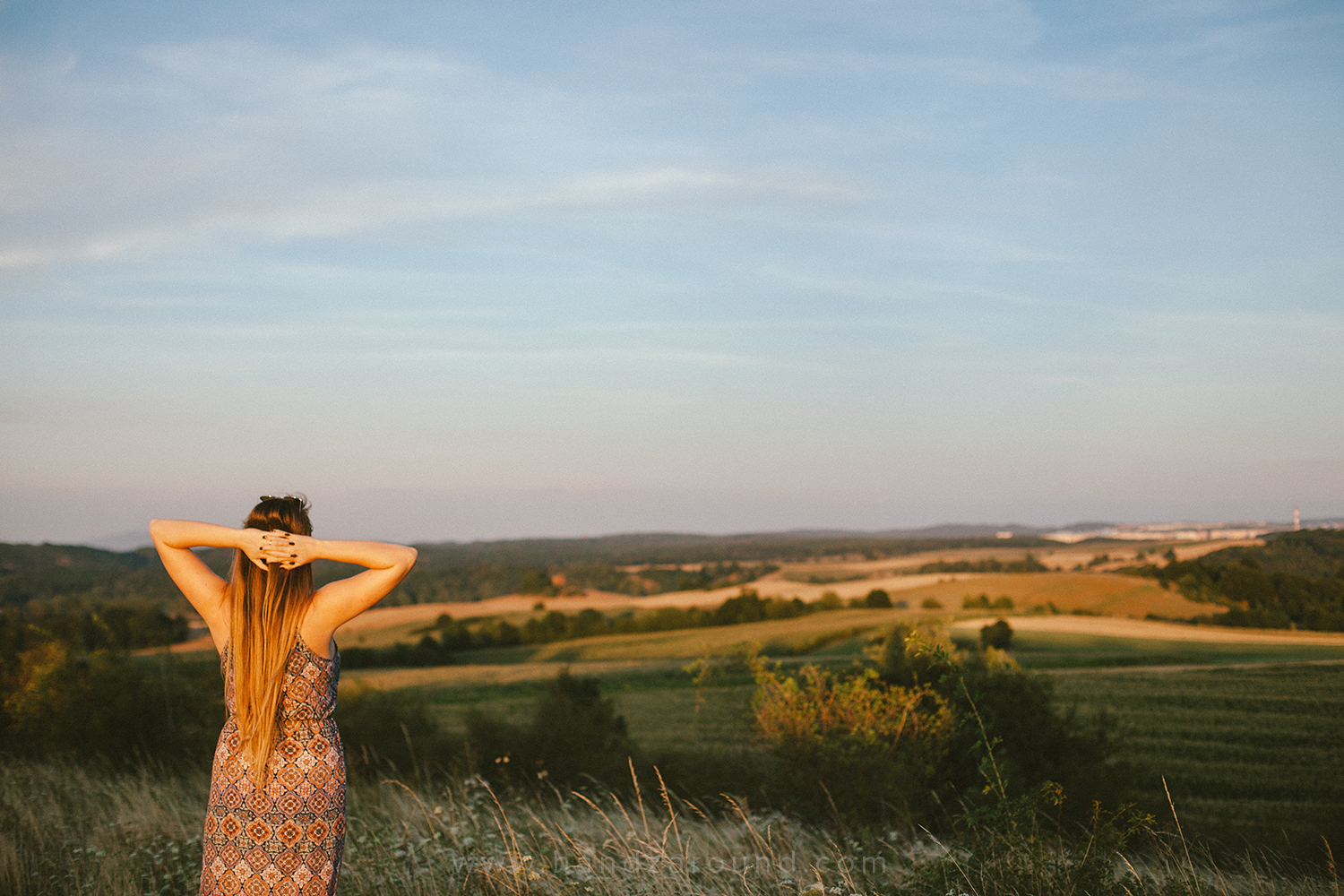 The viewpoint is definitely our favourite spot in Stare Bogaczowice - the sunsets there are unreal!