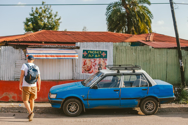 003_Streets_of_Addis_Handzaround.jpg