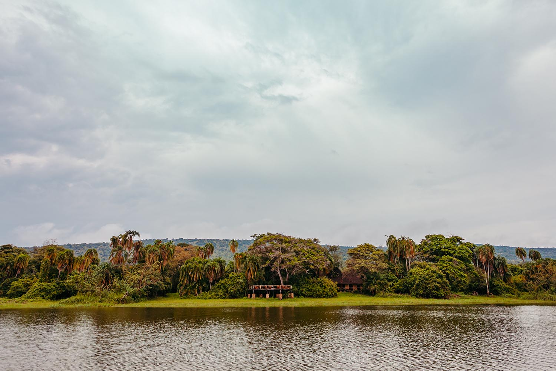 092_HandZaround_Akagera_African_Parks_Rwanda_East_Africa.jpg