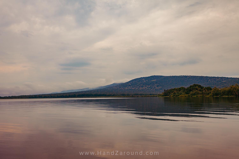 117_HandZaround_Akagera_African_Parks_Rwanda_East_Africa.jpg