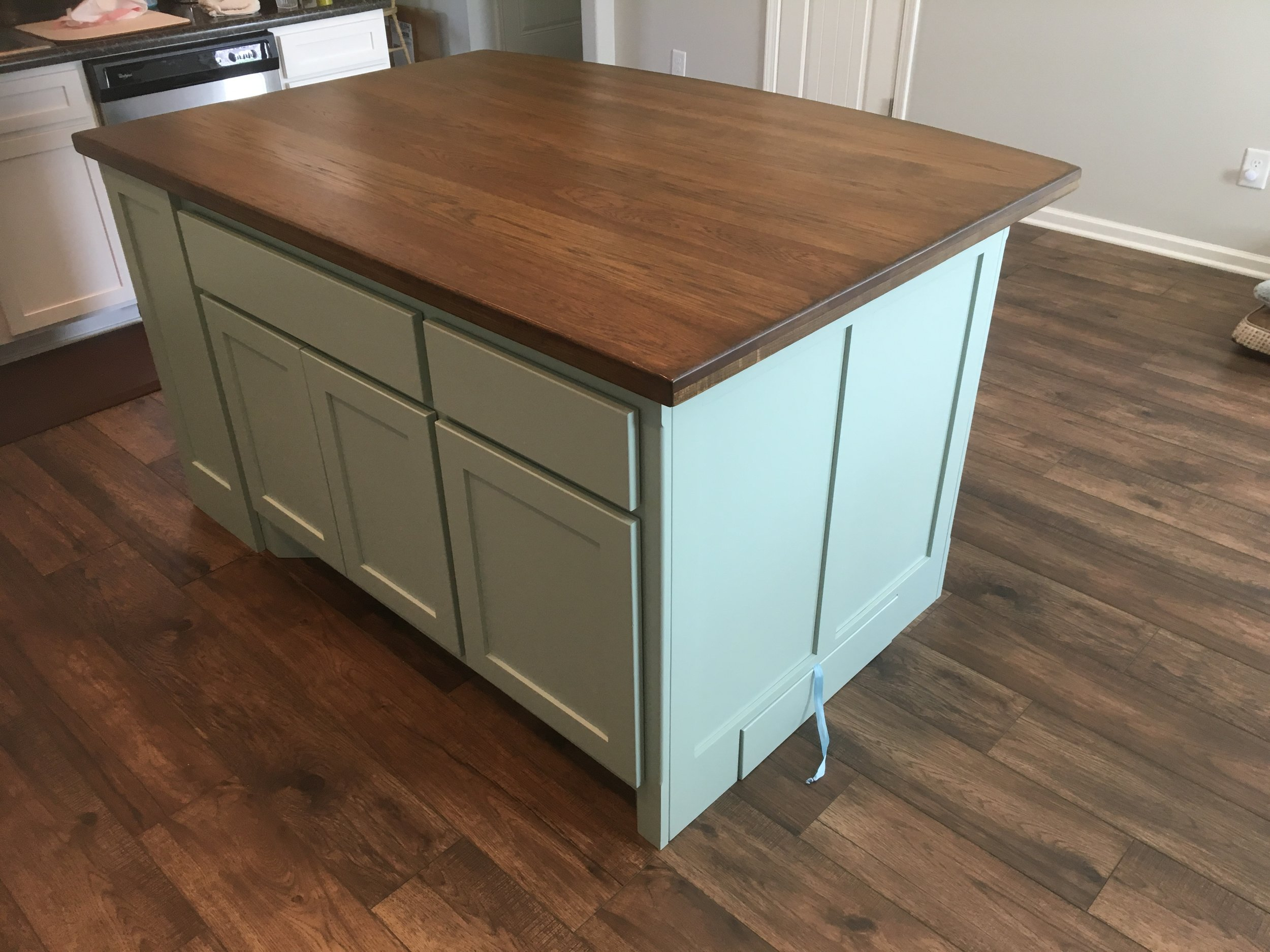 Cabinet Island/Hickory Countertop