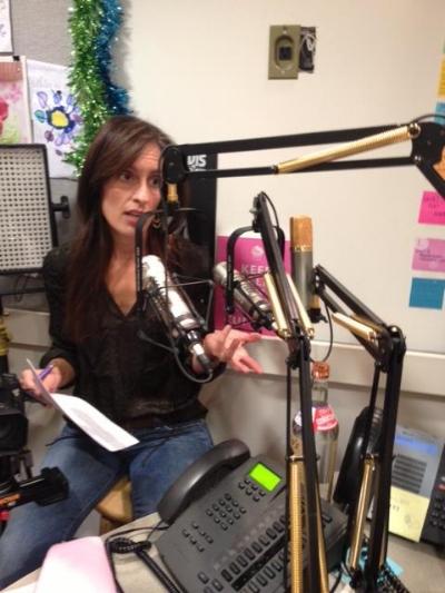 Jen_Jones_interviewing.jpg