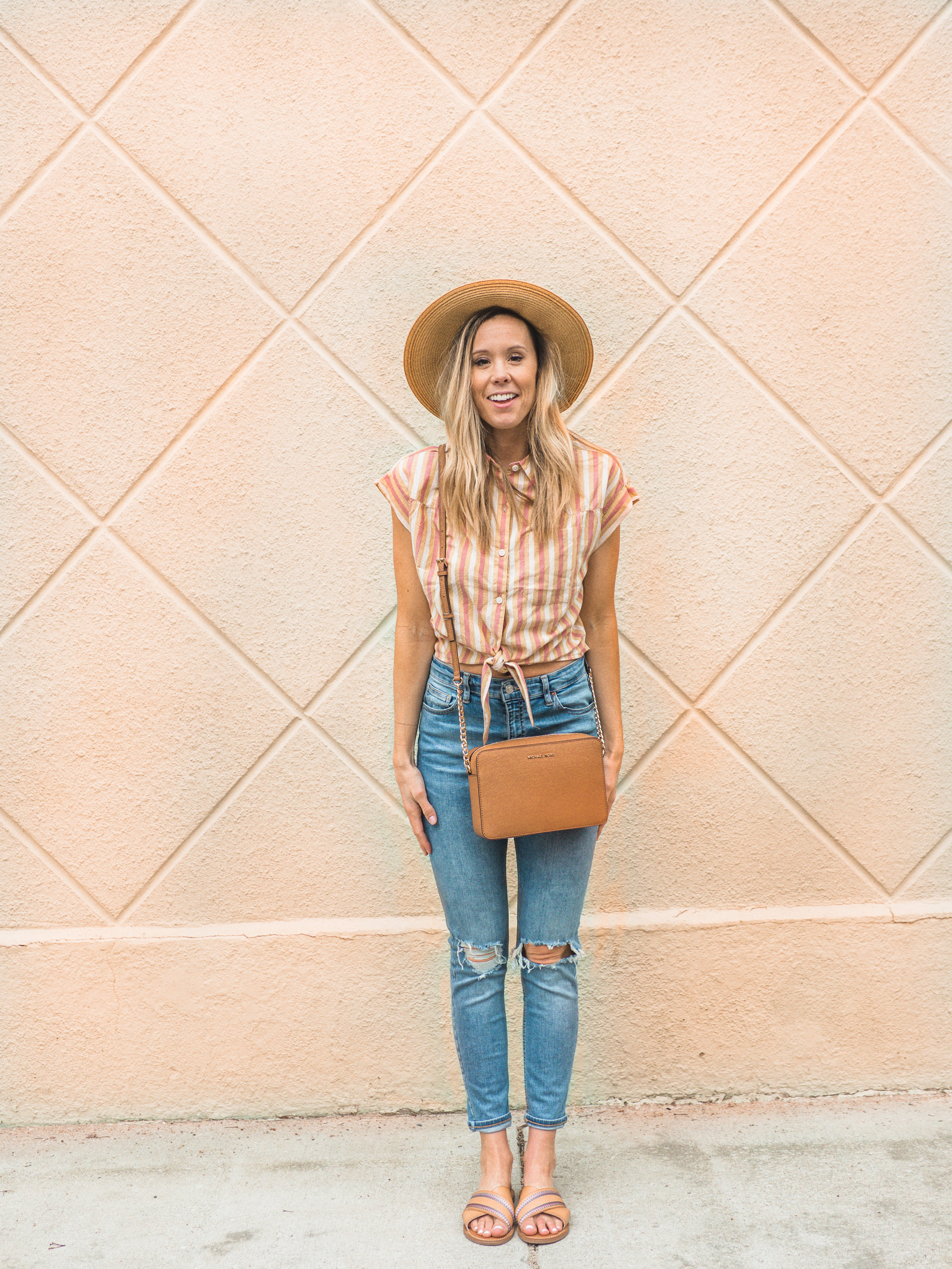 striped button down crop\high waisted ripped jeans\summer style
