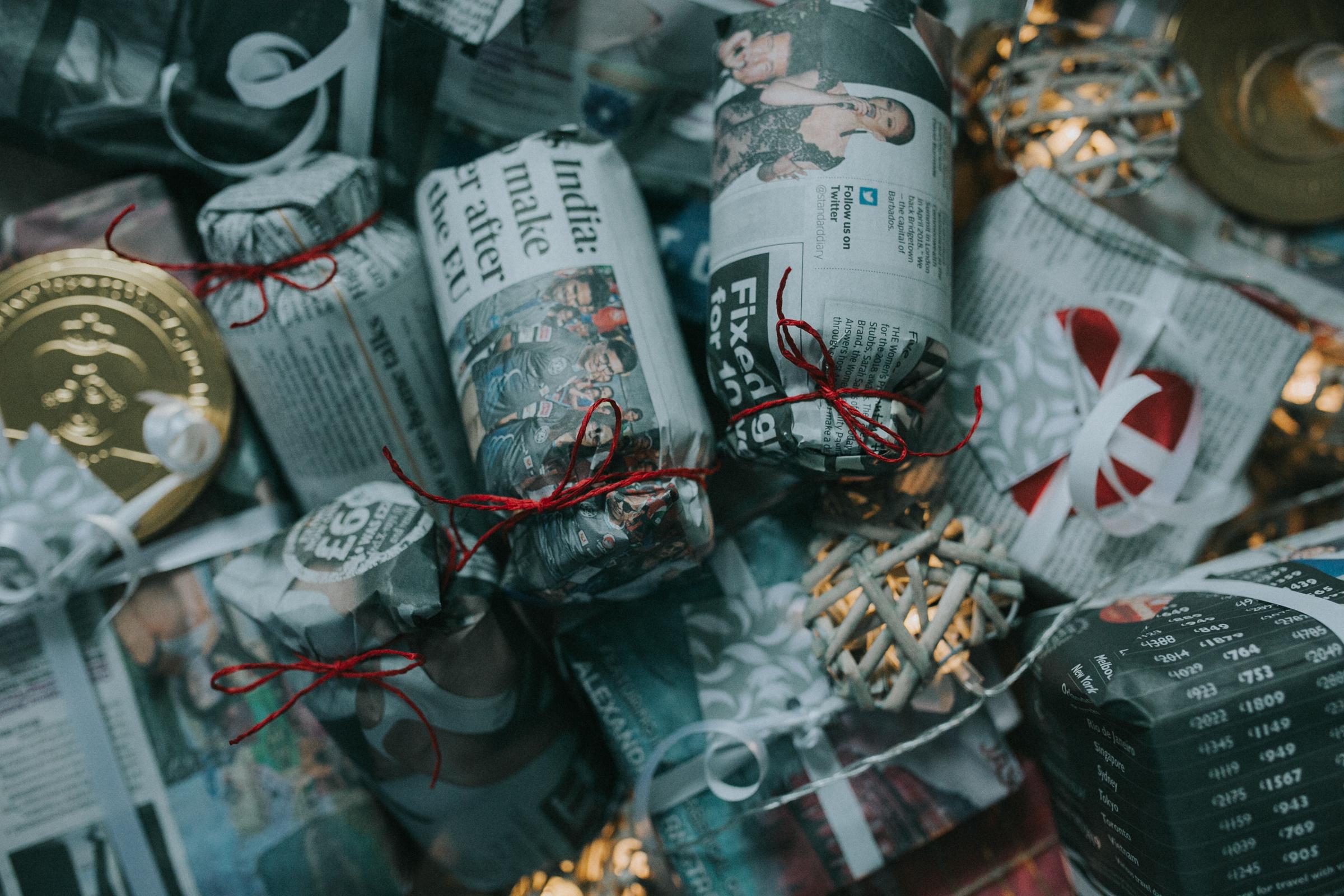 Christmas-gift-wrapping-ideas-minas-planet-minasplanet-how-to-wrap-christmas-presents-diy2.jpg