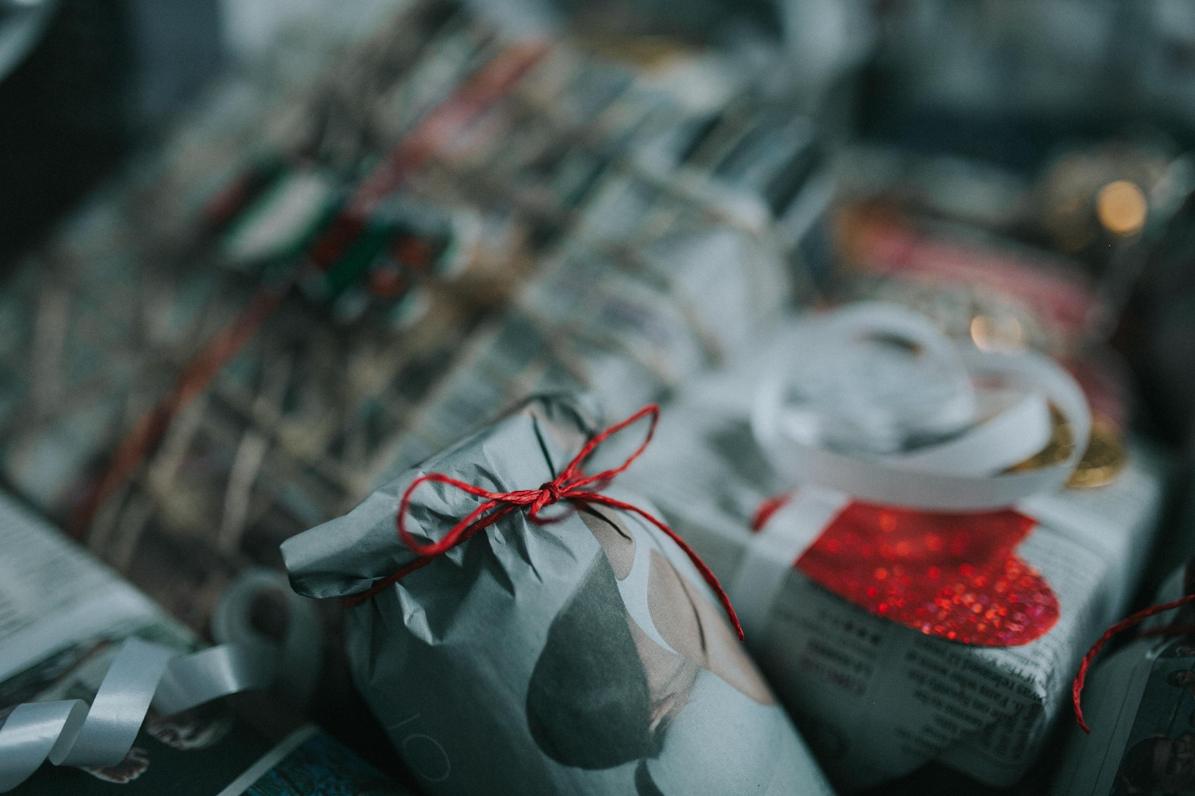 Christmas-gift-wrapping-ideas-minas-planet-minasplanet-how-to-wrap-christmas-presents-diy5.jpg