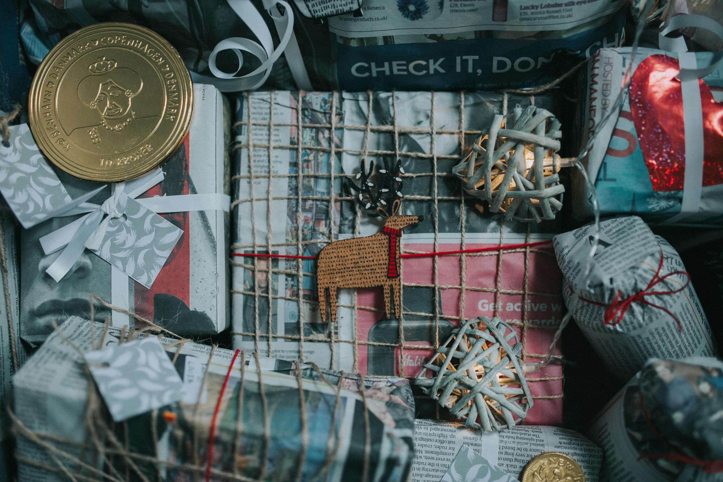 Christmas-gift-wrapping-ideas-minas-planet-minasplanet-how-to-wrap-christmas-presents-diy7.jpg