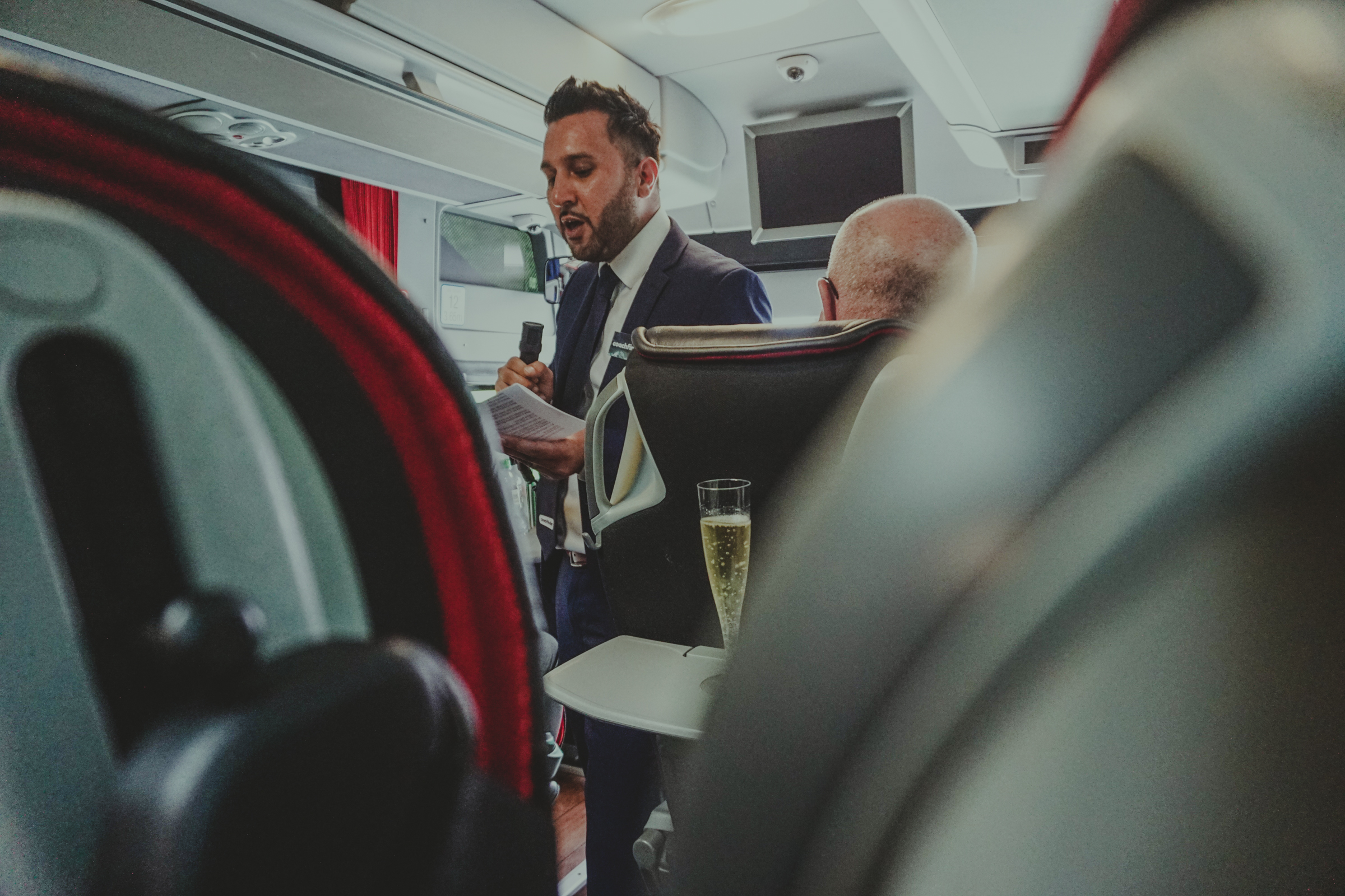 book-a-coach-coachfinder-group-travel-london-uk5.jpg
