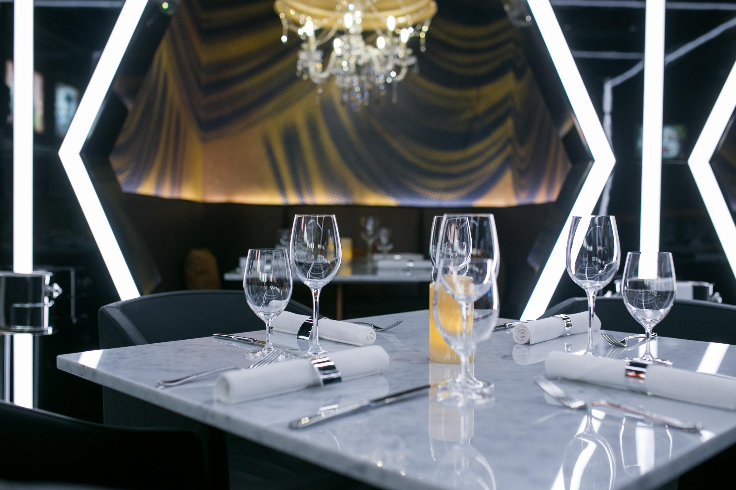 Caramel-restaurant-and-lounge-london-abu-dabi-dubai-oman-new-restaurant-in-london-minas-planet-review-jasmina-haskovic4.jpg