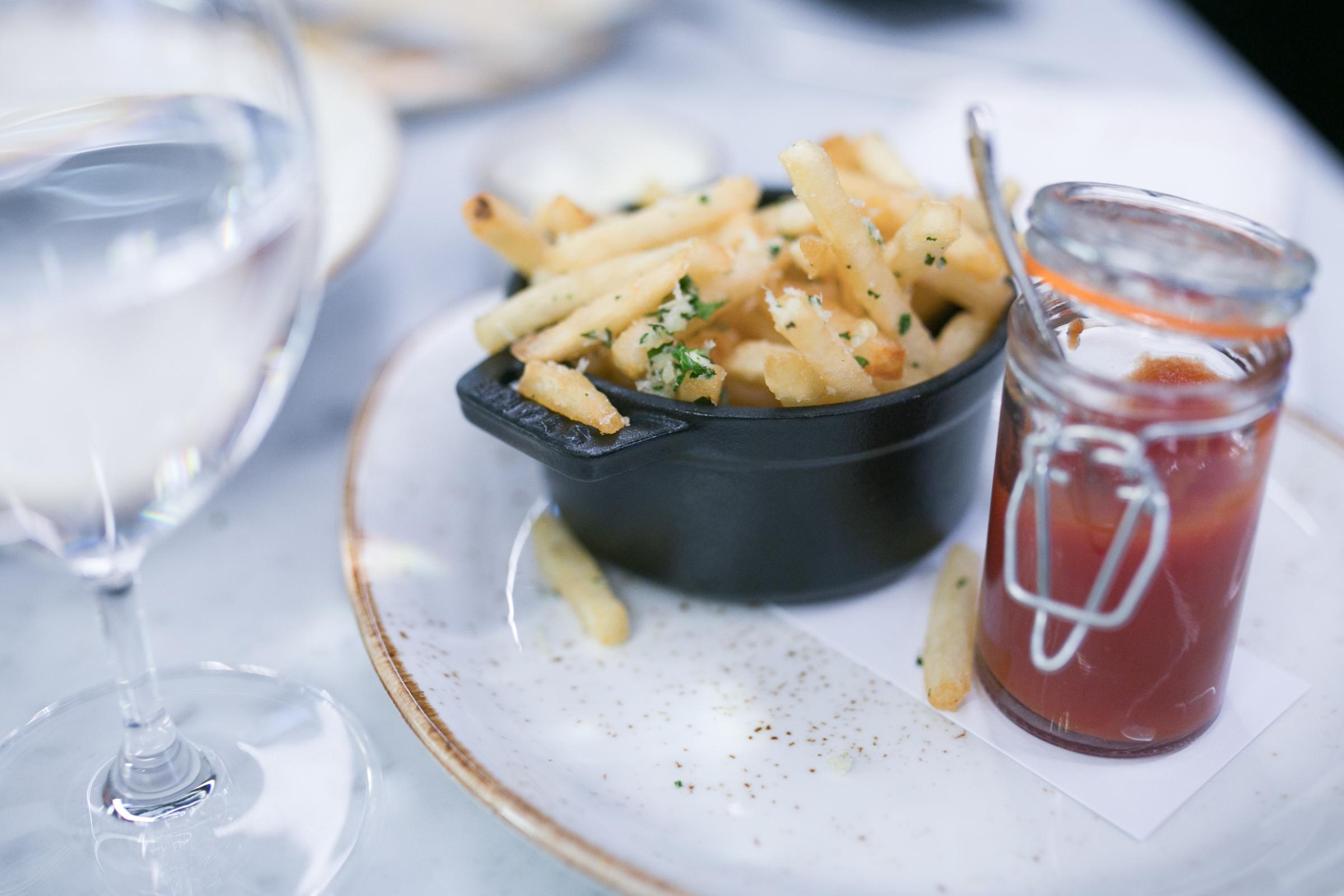 Caramel-restaurant-and-lounge-london-abu-dabi-dubai-oman-new-restaurant-in-london-minas-planet-review-jasmina-haskovic18.jpg