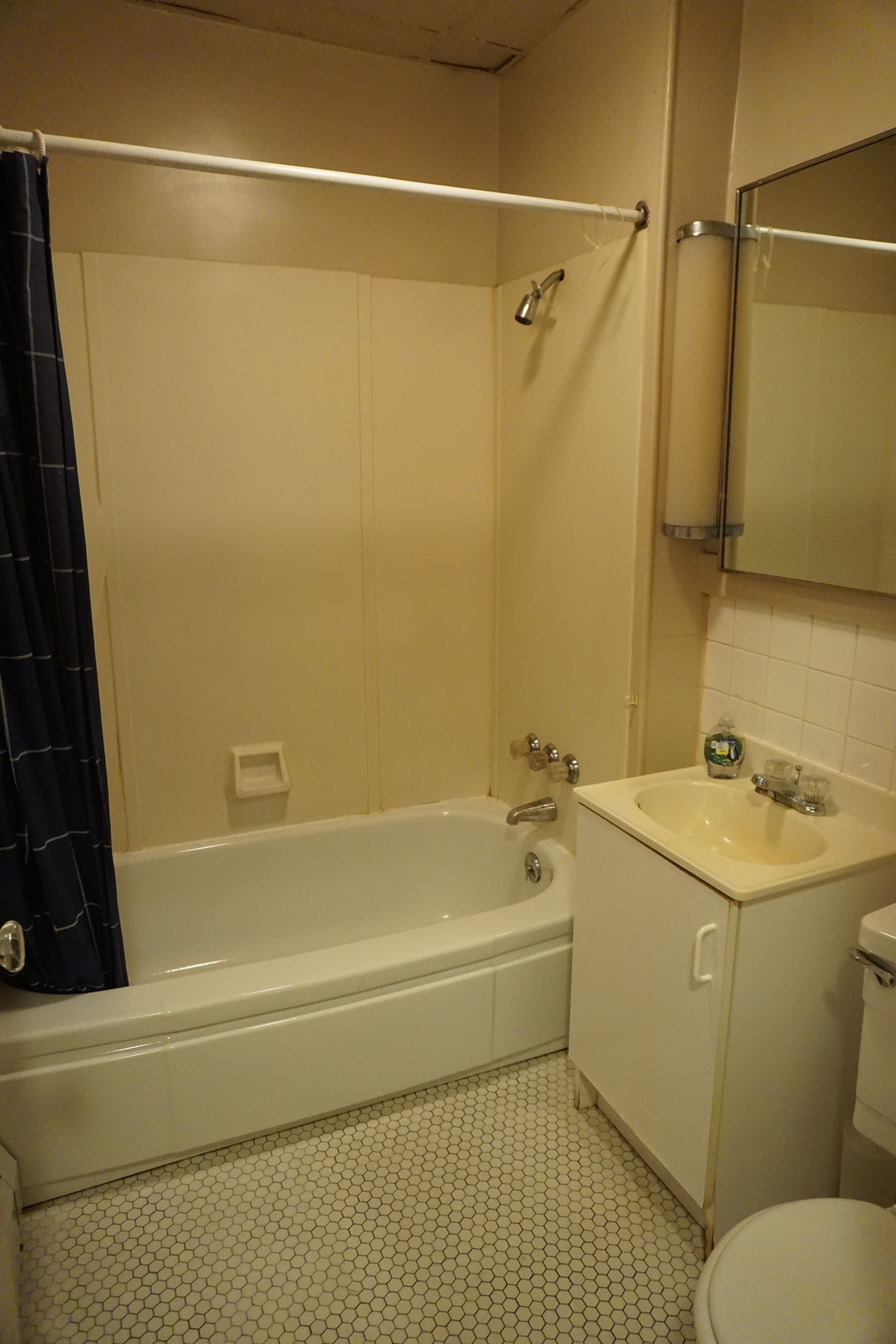 Pristine bathroom after phase 2 extreme cleaning