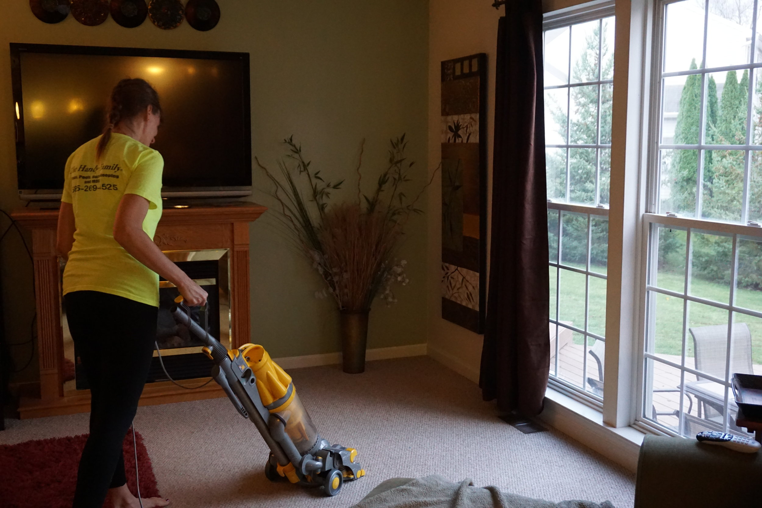 Housekeeping-Services-Handy-Family