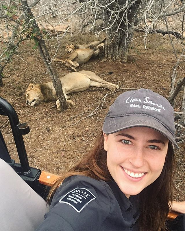 Chilling with the lions of Lion Sands 😁