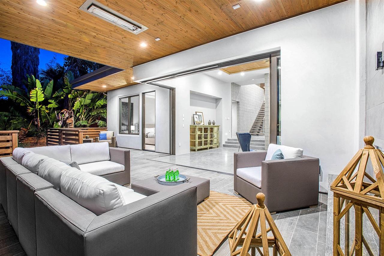 modern-patio2.jpg