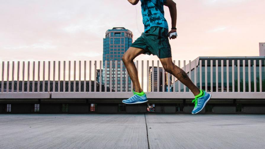 MensFitness.com:  6 Tips To Avoid Running Injuries       Don't hurt yourself because you're training the wrong way. Here are the mistakes you could be making, and how to fix them.