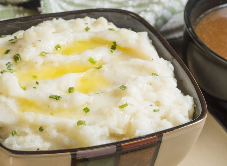 EatThis.com:     12 Low-Carb Comfort Food Swaps    Trade in heavy foods for healthier alternative.