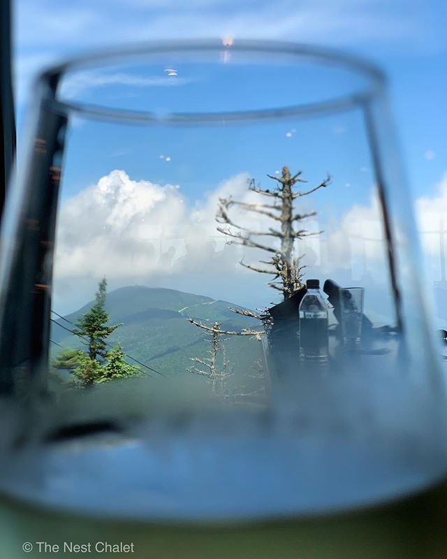This is how we are beating the heatwave today. ⠀ ⠀ #thenestchalet #killington #peaklodge #vermont #vermontlife #vermontvacation #vacationvermont #seevt #travelvt #igers_vermont #airbnbhost #airbnbvermont #whitewine #views #mountainviews #killingtonviews #k1gondola #heatwave #vermontheatwave #getoutthere #bluesky #killingtonvermont #killingtonbeast #instagramphotography #instapic #naturephotography
