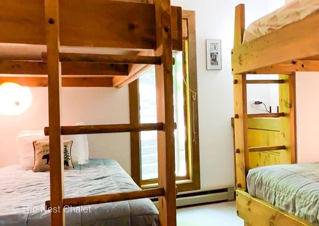 A peak into our 4-bunk bedroom. It's great for kids (& adults!) of all ages - it's just one big slumber party! 😂  #thenestchalet #bunkbeds #bunkbedsforkids #bunkroom #bunkbedroom #bunkroomdesign #vermont #vacationvermont #vacationrentalsbyowner #cabininthewoods #vermontvacation #getawayoften #familyvacations #vermontfall #vermontfallfoliage #stayhere #airbnbvermont #airbnbhost #vrbohost