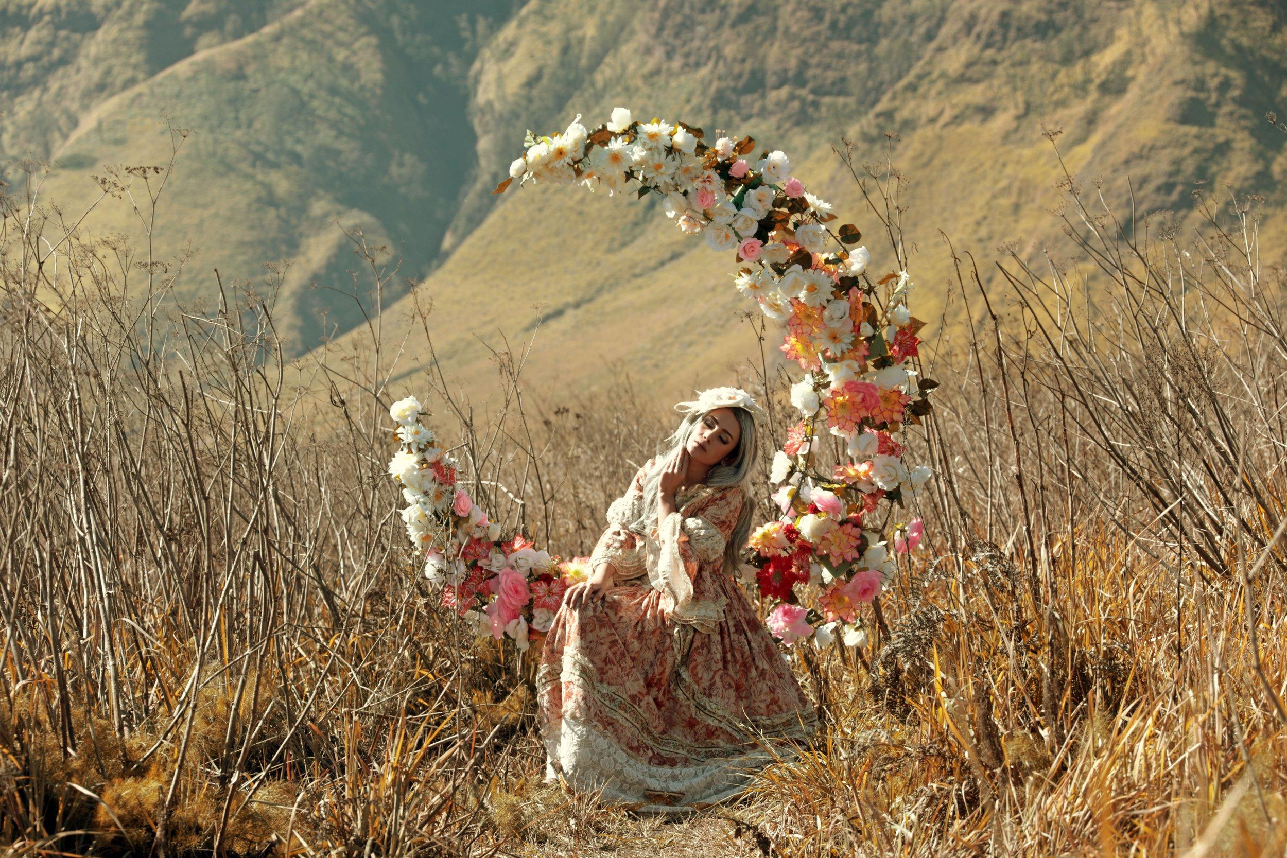 beautiful-beautiful-flowers-beautiful-woman-1287674.jpg