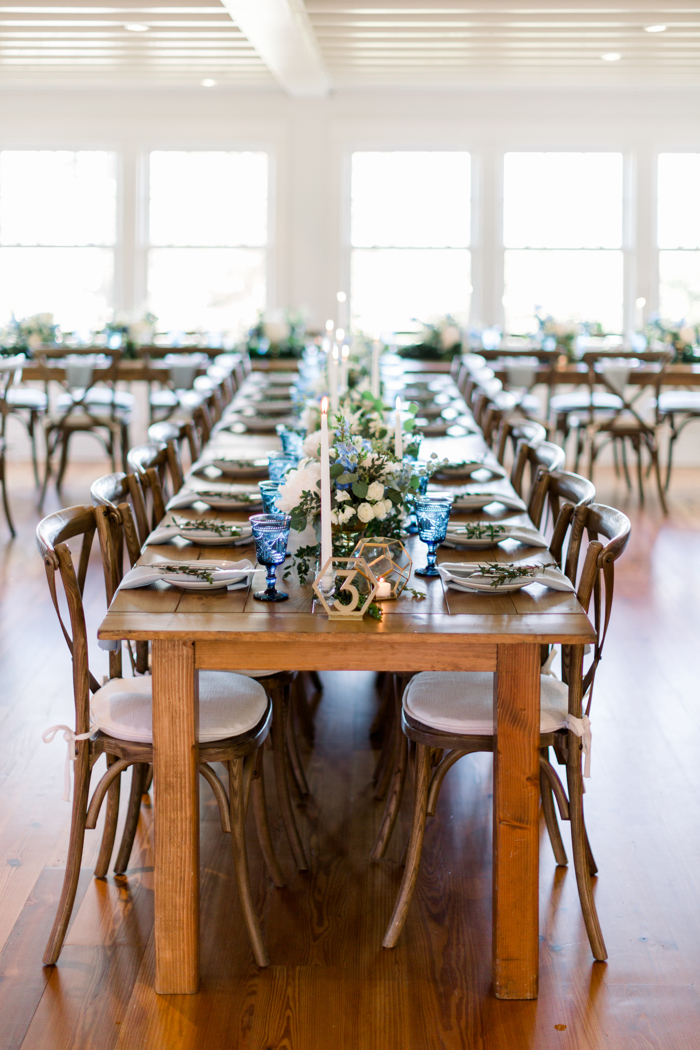 Blue_And_White_Tablescape