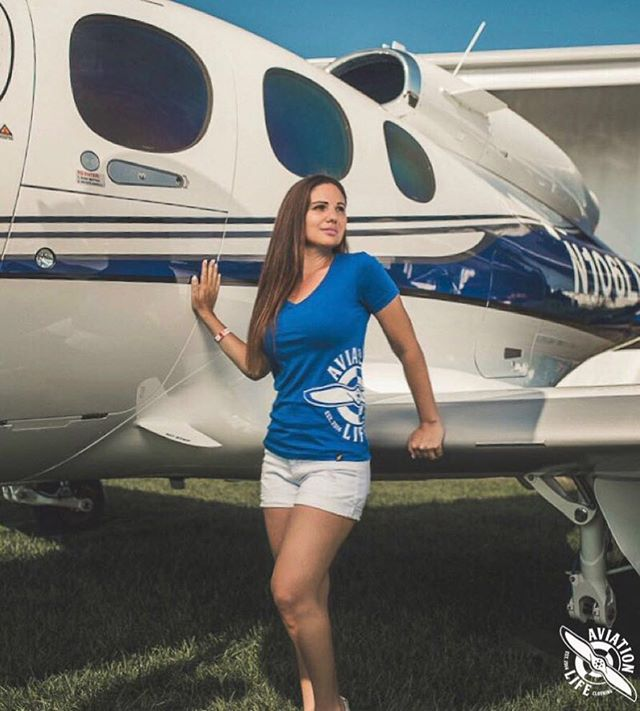 Always gotta match your plane 😜😎🛩 . . . . . How is everyone's Labor Day going so far? Here in South Florida it's raining 12ft of water! 👇Comment below 👇 hopefully your weekend has had better weather 😂🤦♂️💦💦💦 . . . . . . . . . . . #aviationlife #aviation #avporn #aviationphotography #aviationgeek #instaaviation #instagramaviation #aviationlovers #clothingbrand #clothing #pilot #plane #airport #airplane #aviationlifeclothing #aviationlifefamily #aviator #luxurylifestyle #luxurybrand #fashion