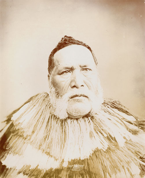 Heta Te Haara was a signatory of the Treaty of Waitangi, and a prominent Northland Rangatira. Heta Te Haara is credited with peacemaking efforts, in particular organizing the respectful re-internment of British soldiers who had died during the 1845 Battle of Ohaeawai, 27 years later.
