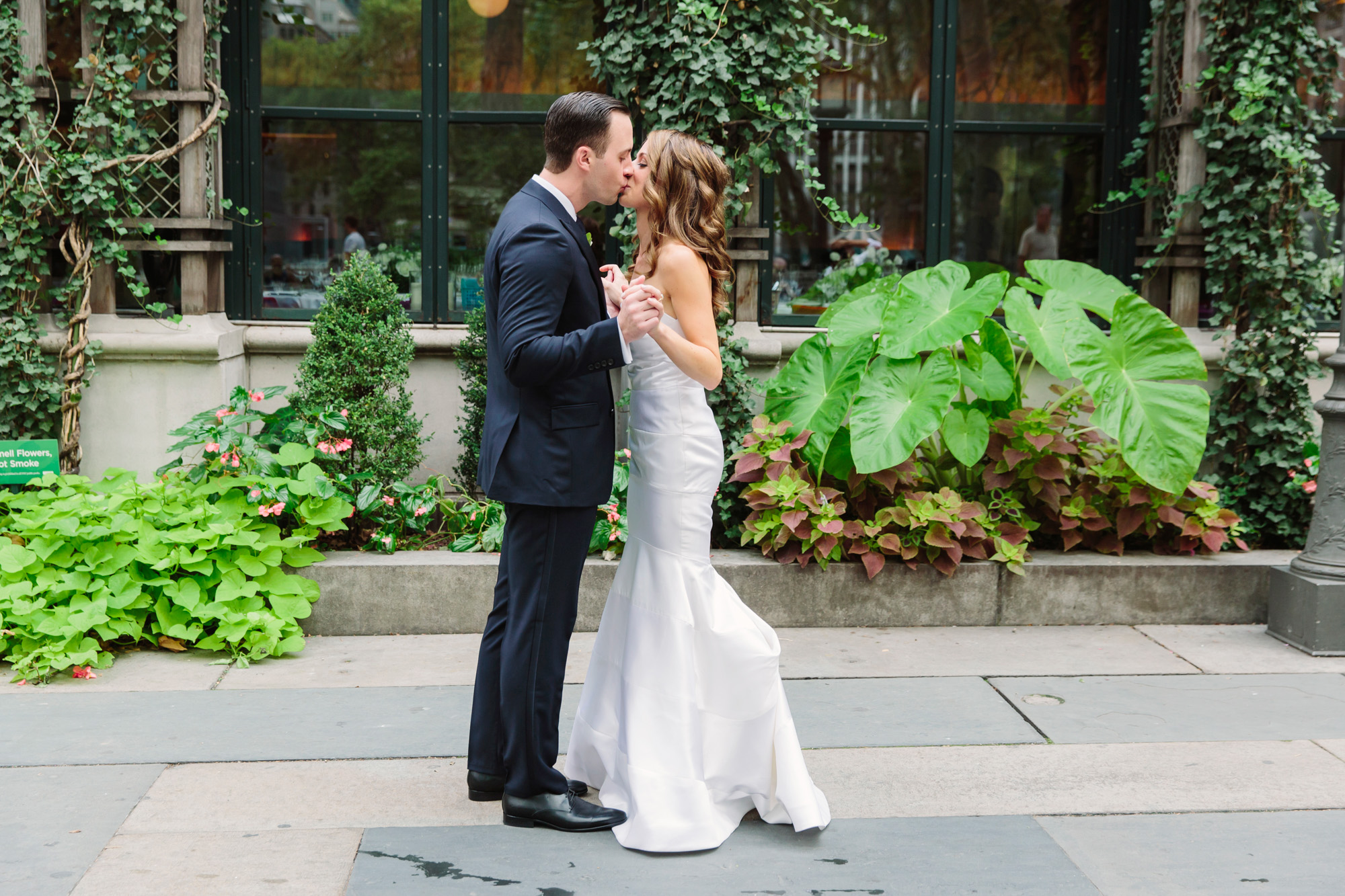24_Ali_Lloyd_Bryant_Park_Grill_Wedding_NYC_Tanya_Salazar_Photography_146.jpg