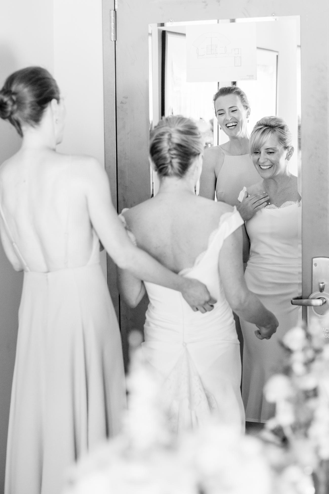 14_Rowan_Brian_The_Roundhouse_Wedding_Beacon_NY_Tanya_Salazar_Photography_068.jpg