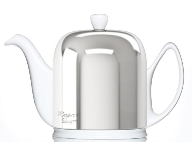 Hvid med blank stål  Størrelser: 0,7 liter + 1,0 liter