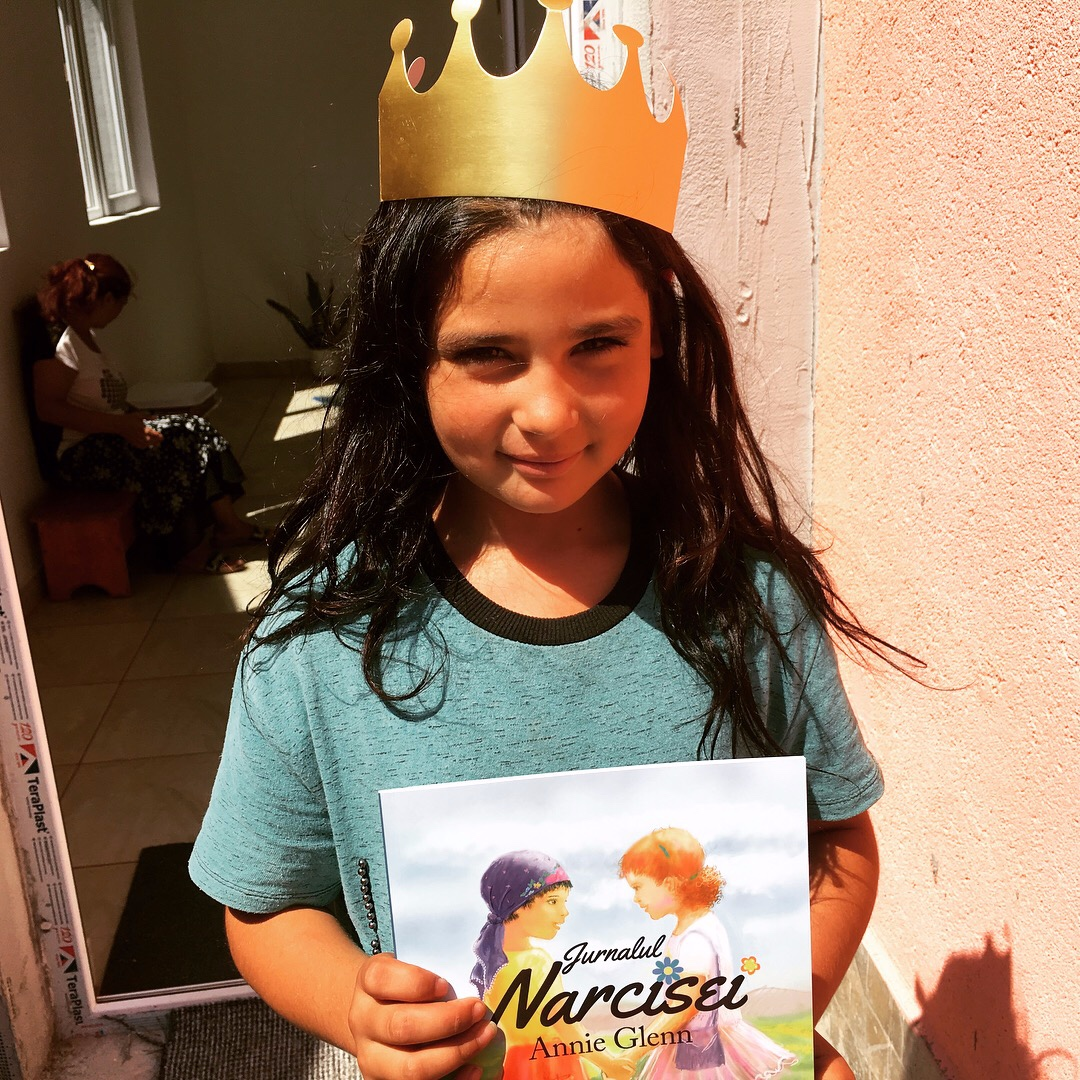 Kids enjoy  The Daffodil Diary  ( Jurnalul Narcisei) ,especially when we turn the script into a play. They can idenitfy with the characters, Narcisa and Tessa, as they share a story of love and acceptance.