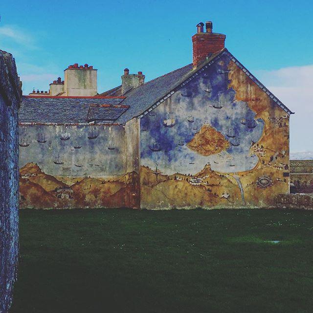 Killer wall paint