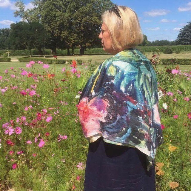 """Congratulations to our cousin from Toulouse @evamunchellingsen getting married today🥂. Helen's mother is wearing our scarf """"Woman with Peonies"""" to the wedding. 🌸☀️🎉#bymunch #edvardmunch #wedding #france #chateauxdepalays #chateaux #bryllup #frankrike #edvardmunch #sjal#norwegiandesign #minmote #flowers"""