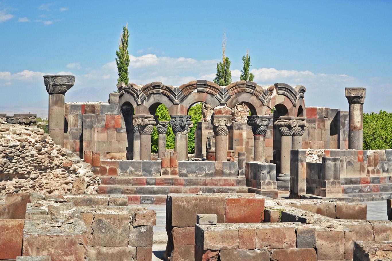 Zvartnots Cathedral - ruins