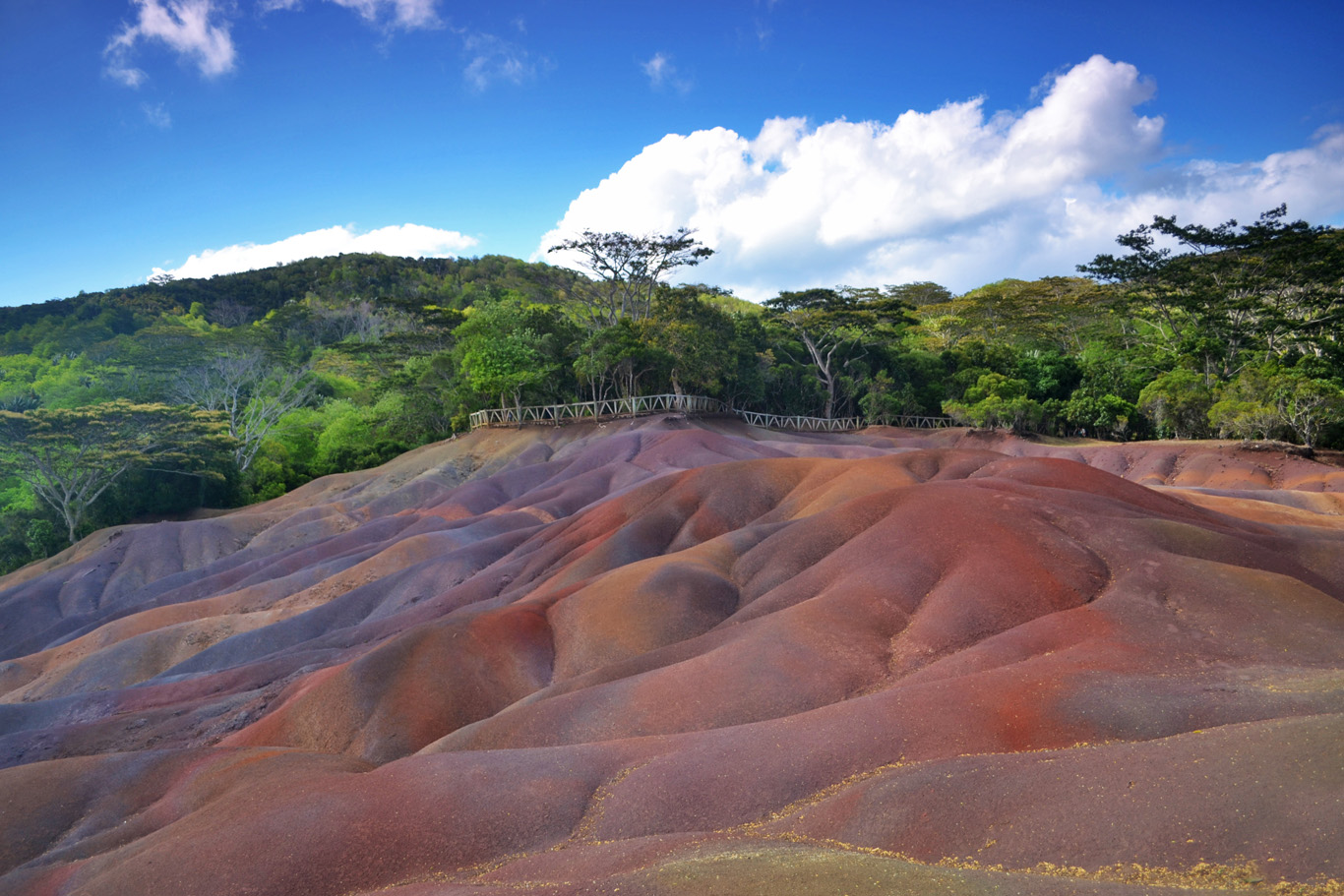 Seven colored earths