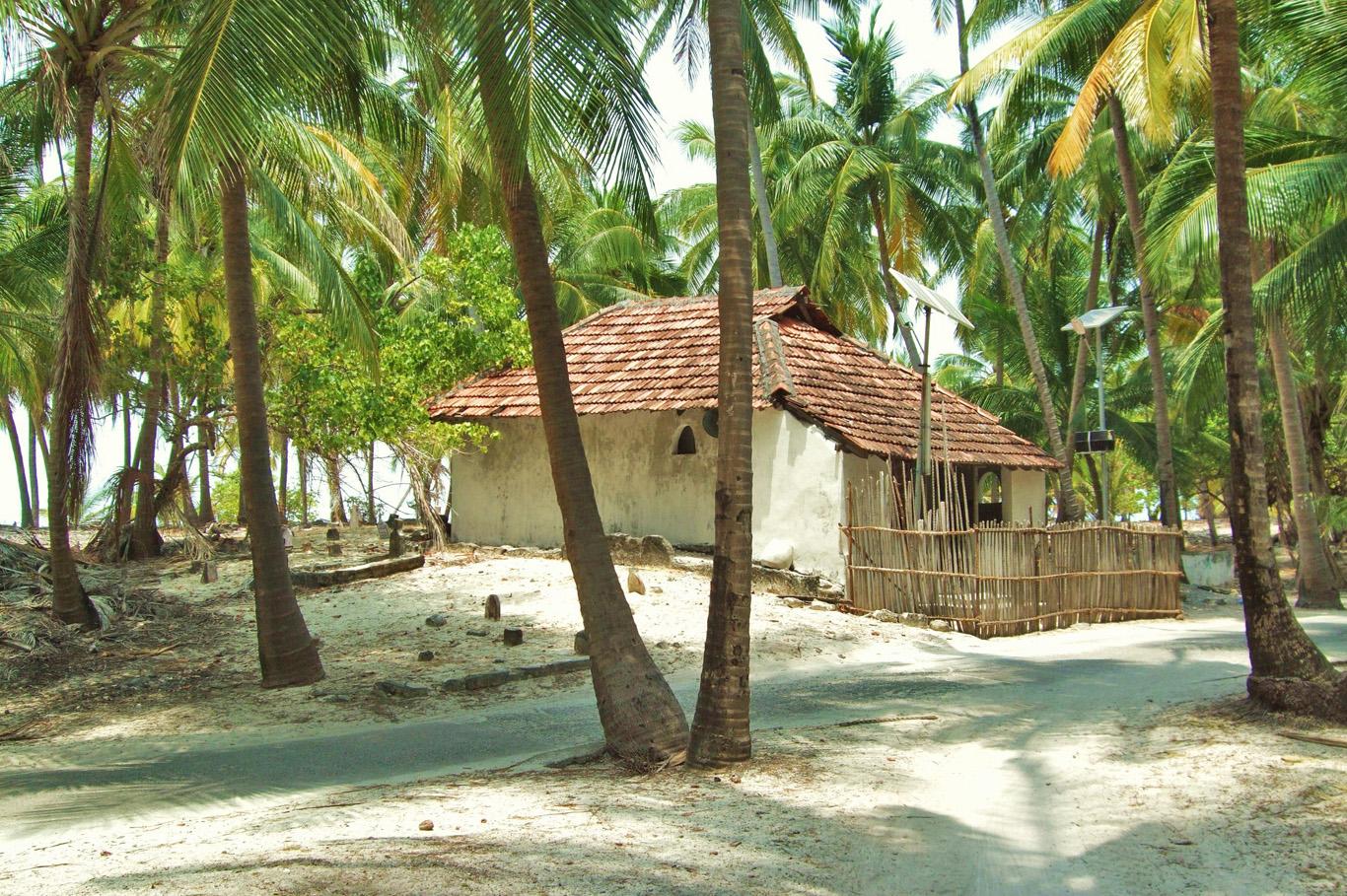 Mosque  in Kadmat Island
