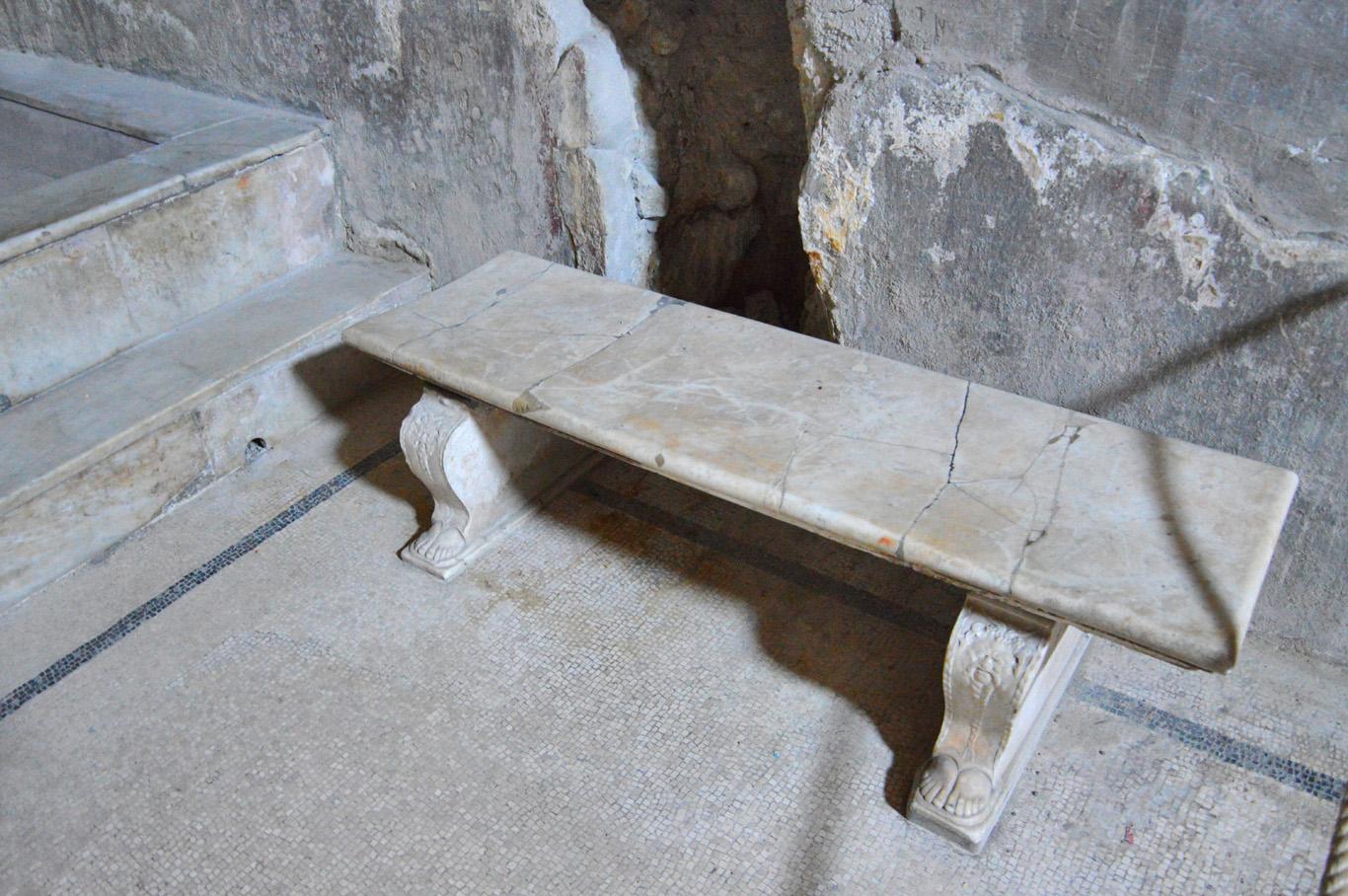 Marble bench - Baths in Herculaneum