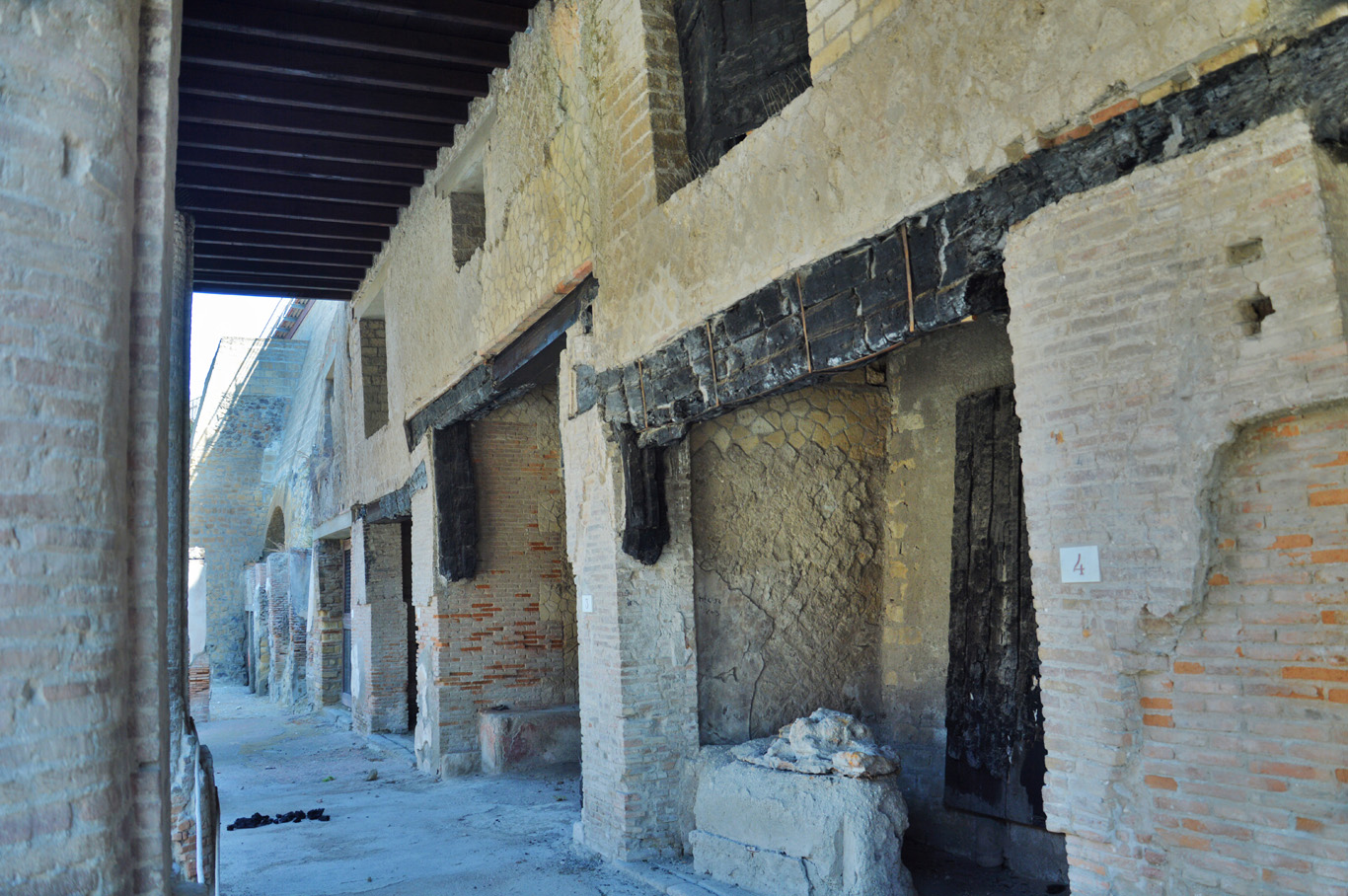 Original wooden logs in Herculaneum