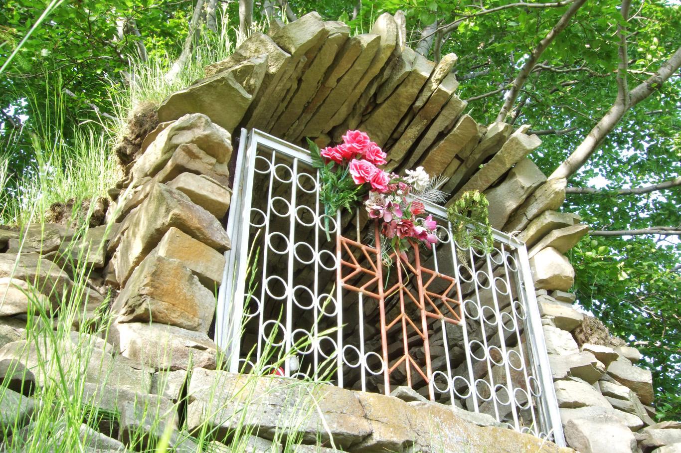 Shrine made of stones