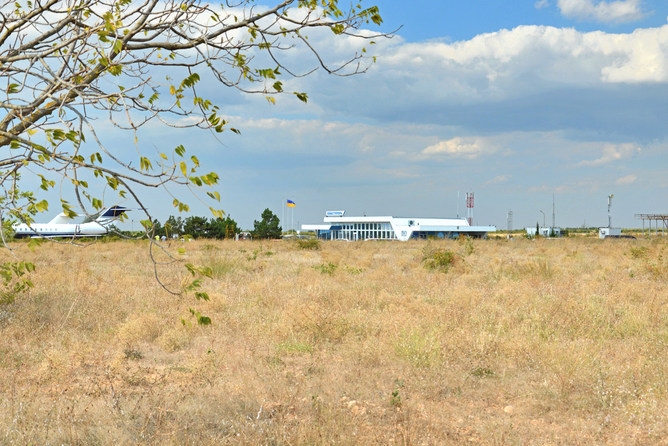 Sevastopol airport - in the middle of nowhere