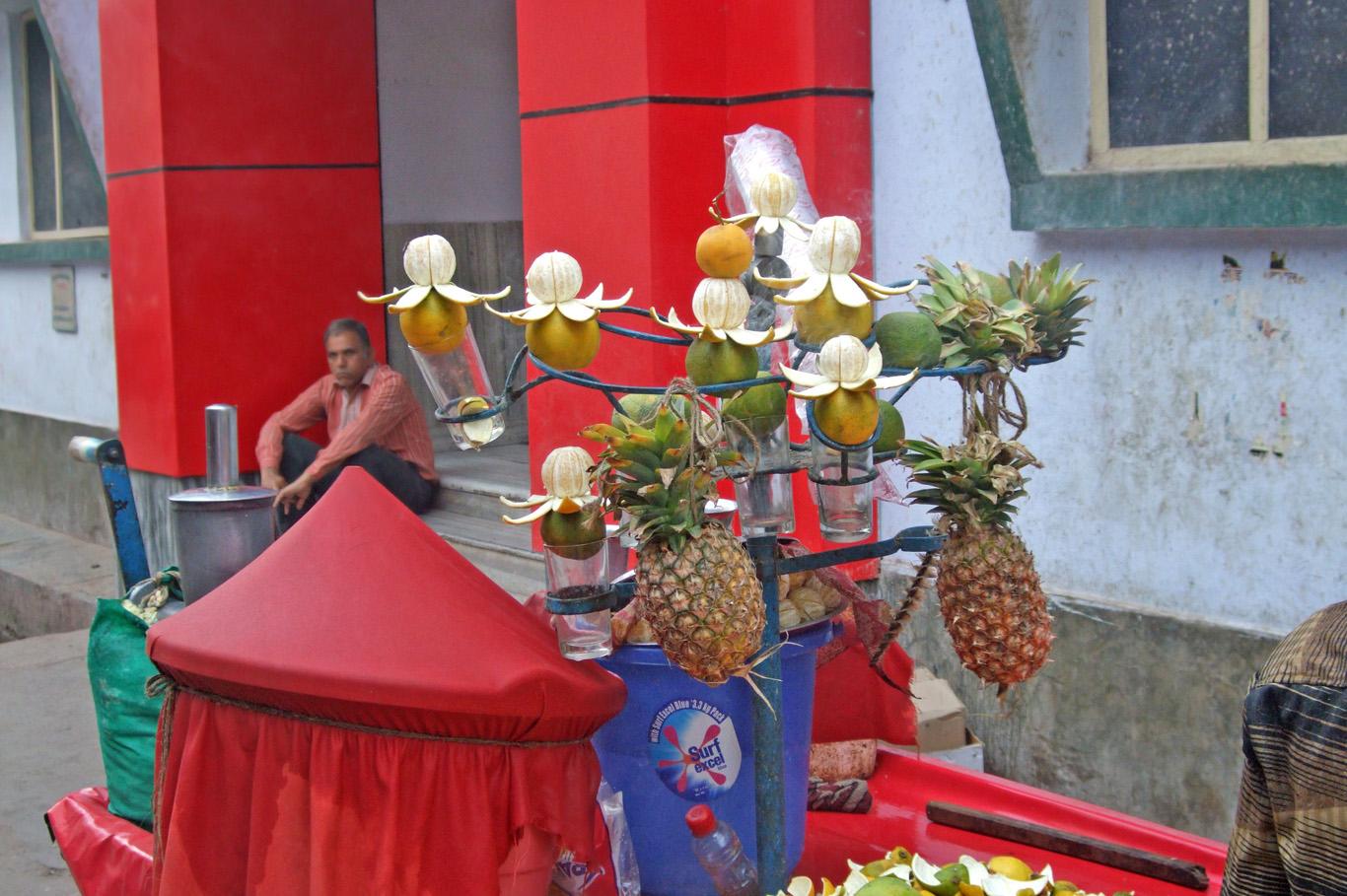 """""""Fruit art"""" in Mathura"""