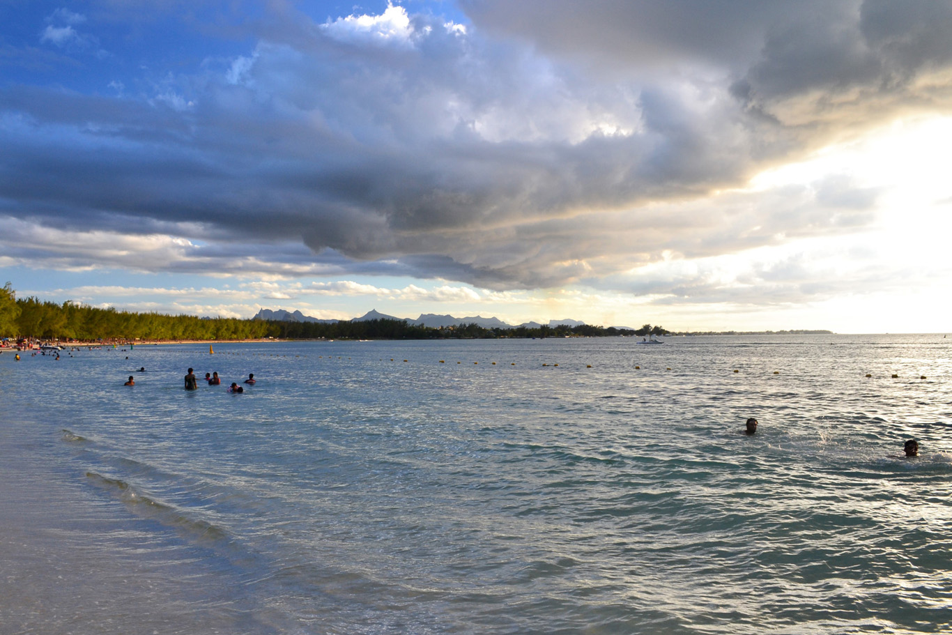 Quiet evening at Mon Choisy beach