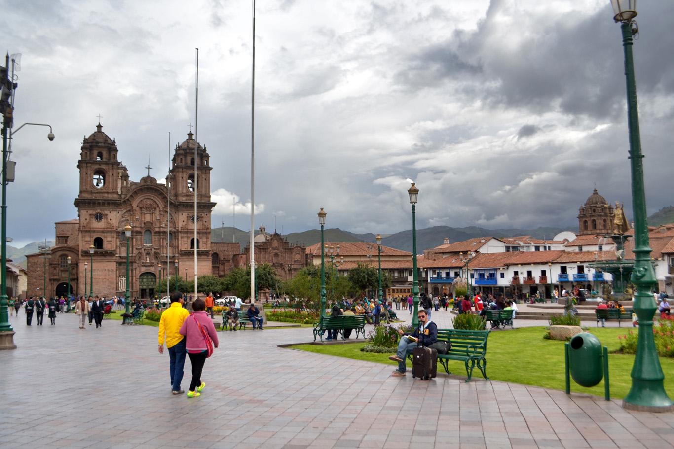 Church of La Compania de Jesus, Plaza de Armas
