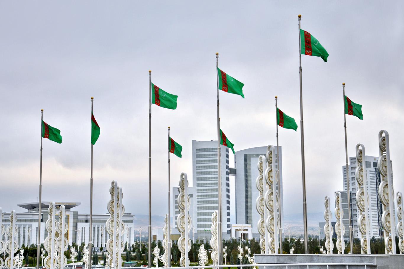 Turkmen flags in front of Alem