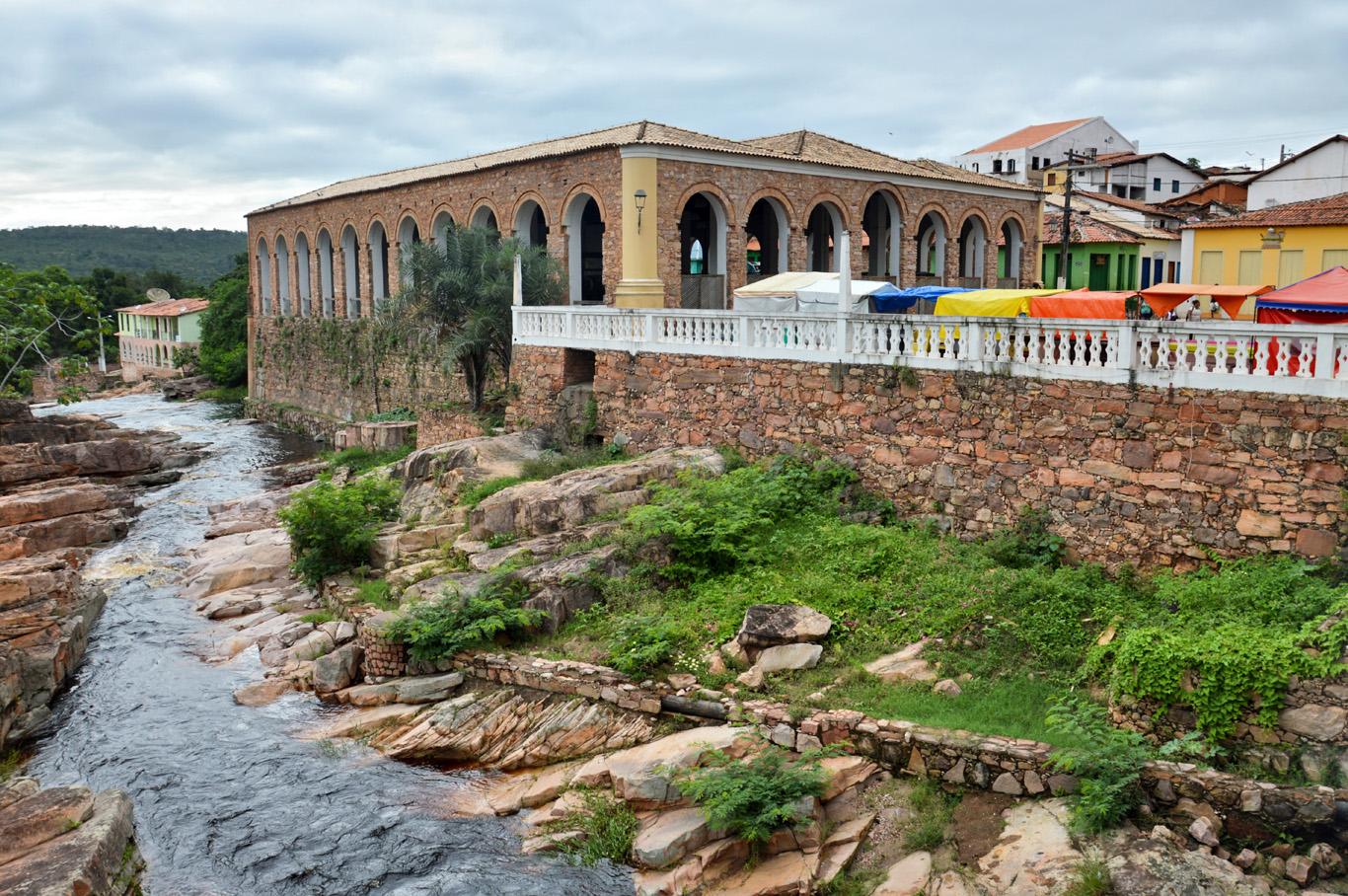 River flowing through Lençóis