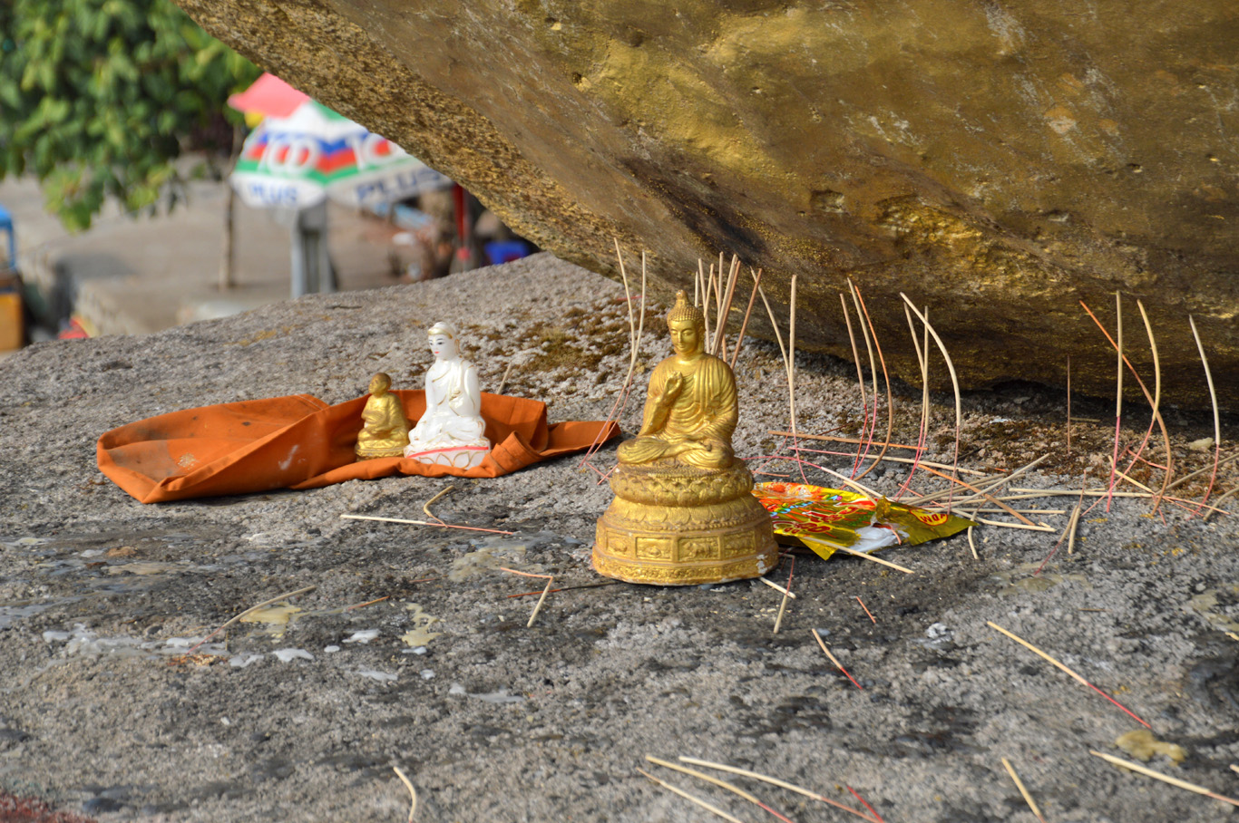 Statue of Buddha under the Stone Boat Bagoda
