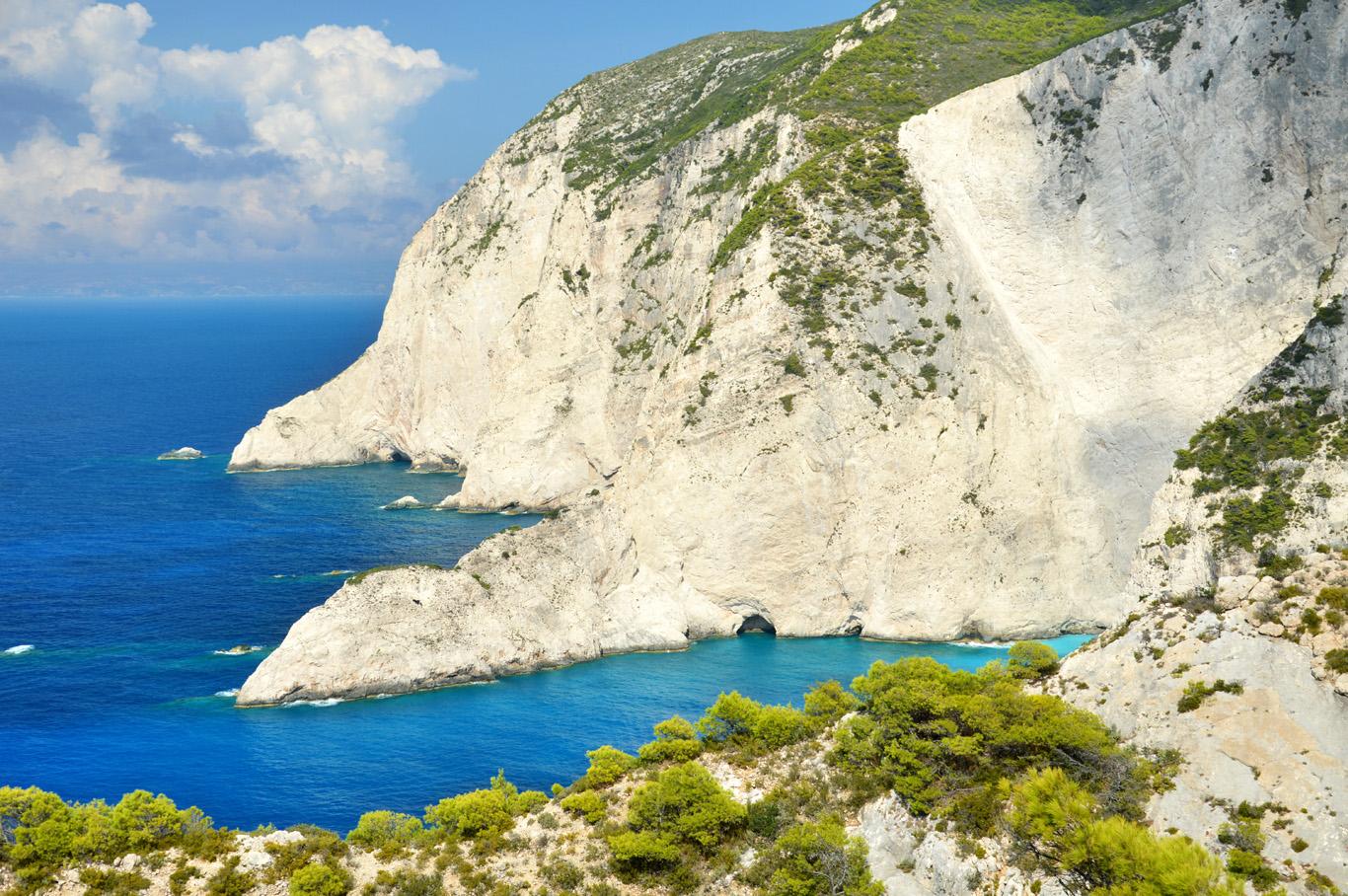 The coast and white cliffs around